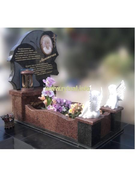 Пам'ятник з лізниківського та букінського граніту